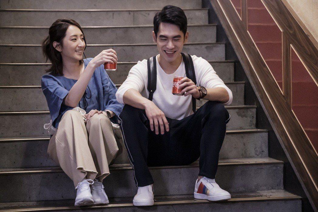 張書豪(右)、柯佳嬿在「如果愛,重來」中演夫妻。圖/歐銻銻娛樂提供