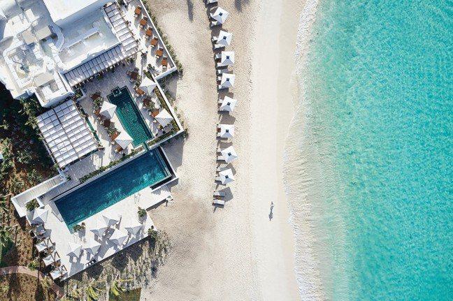 Belmond Cap Juluca沿著加勒比海新月型海灣興建。(Belmond...