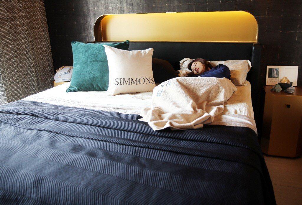 睡覺示意圖。記者徐兆玄/攝影