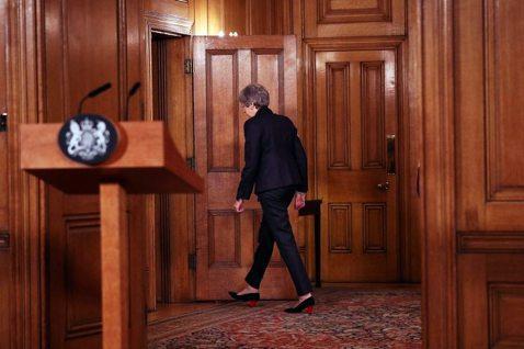 英國首相梅伊(Theresa May)周三向歐盟提出申請,正式表達英國亟欲「推遲...
