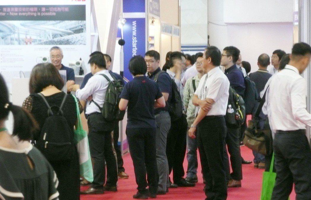 歷屆台北國際儀器展吸引眾多國內外專業買主參觀。 台北市儀器公會/提供