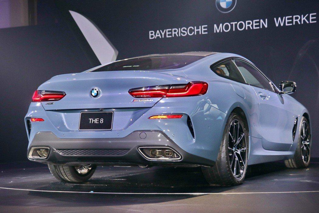 BMW M850i以絕美的車身線條搭配先進動力,再次擦亮8系列的亮麗印象。 記者...