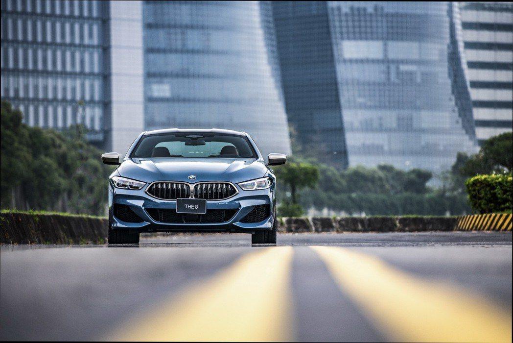 BMW M850i。 圖/汎德提供