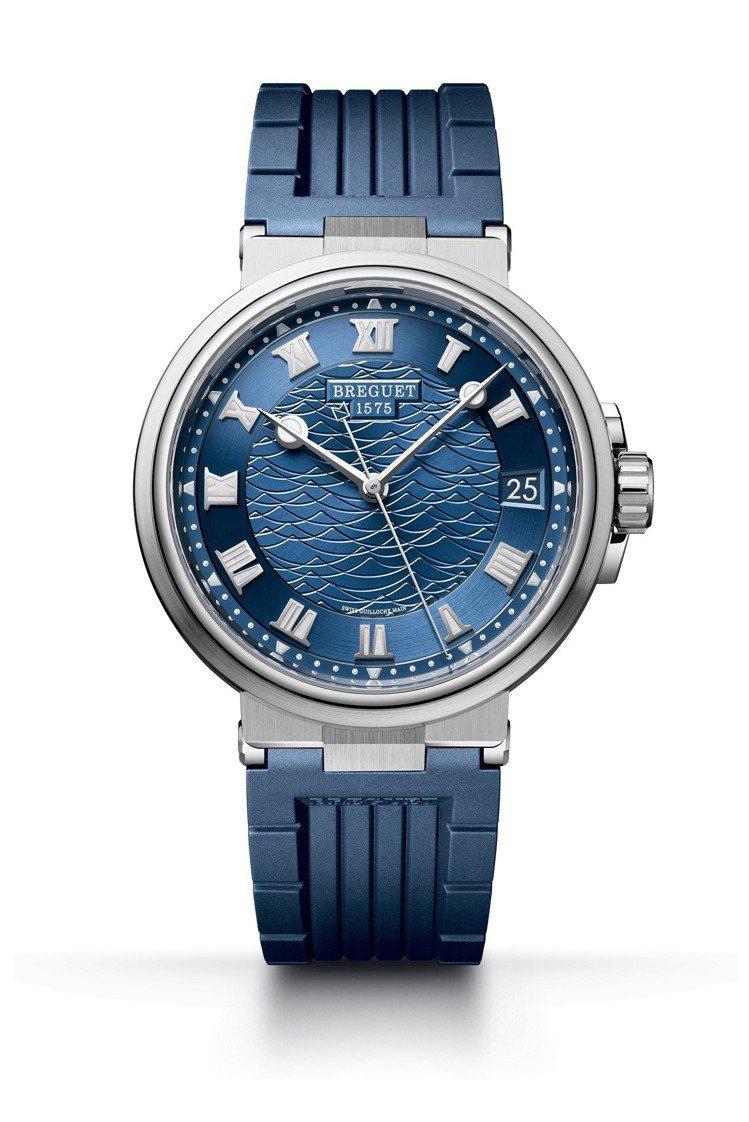 寶璣航海系列5517大三針日期腕表,18K白金表殼搭配橡膠表帶,約92萬2,00...