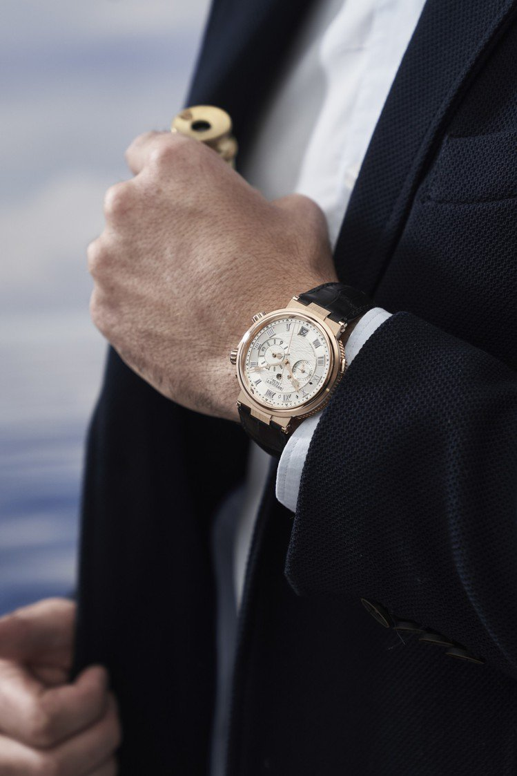 寶璣航海系列Alarme Musicale 5547兩地時間鬧鈴腕表,18K玫瑰...