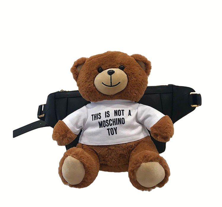 小熊腰包,38,800元。圖/Moschino提供