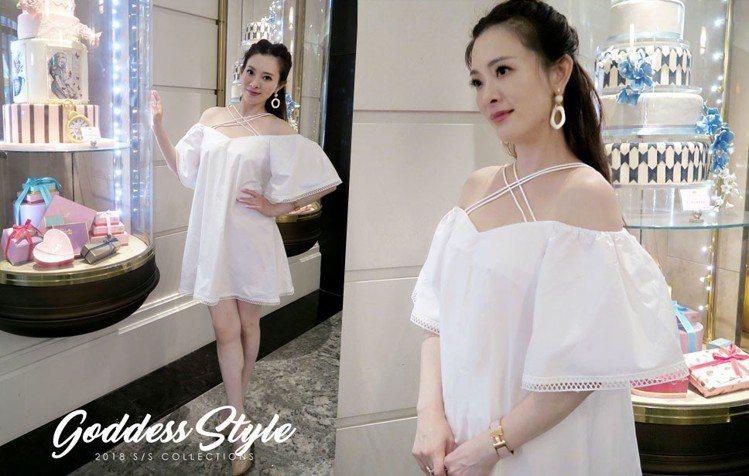 「小公舉」風格是劉真的強項,搭襯下午茶氛圍穿著她喜歡的雙肩帶設計洋裝1,780元...