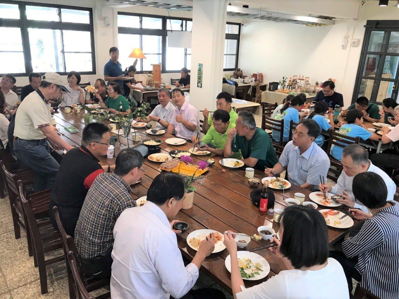 從產地到餐桌,中興大學新化林場餐廳也使用台南青農優質產品。圖/新化林場提供