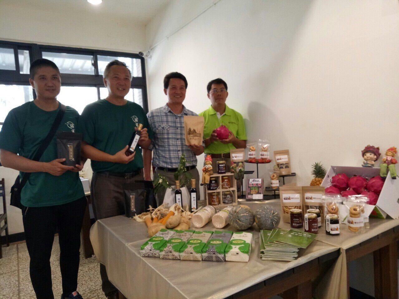 新化林場引進青農生產的農漁牧產品銷售,產品多元有保障。記者莊琇閔╱攝影