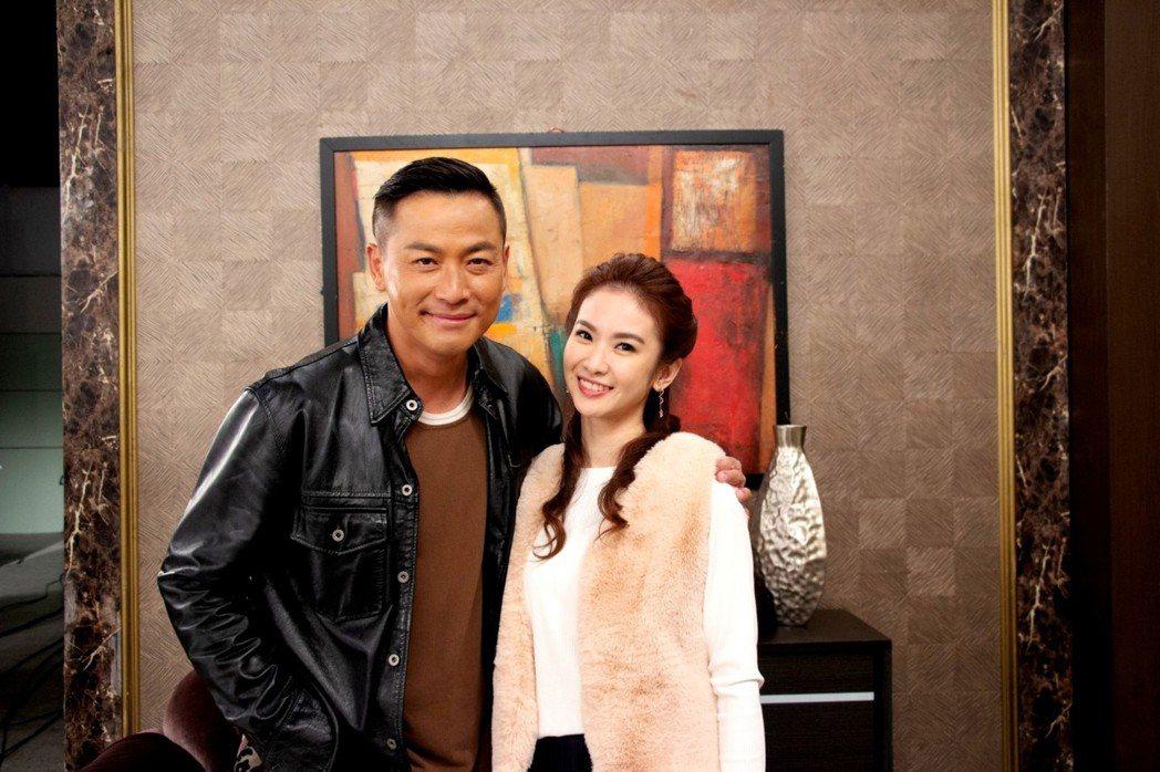 江宏恩(左)加入「炮仔聲」和惡女陳小菁配對。圖/三立提供