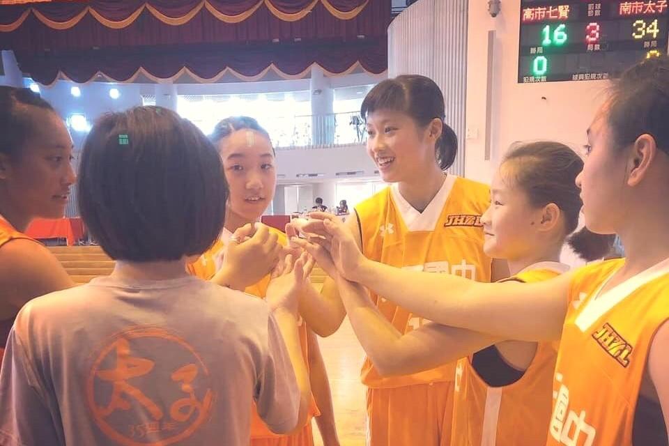 太子國中女籃隊訓練強調「重質不重量」,打出不一樣的球風。圖/太子國中提供