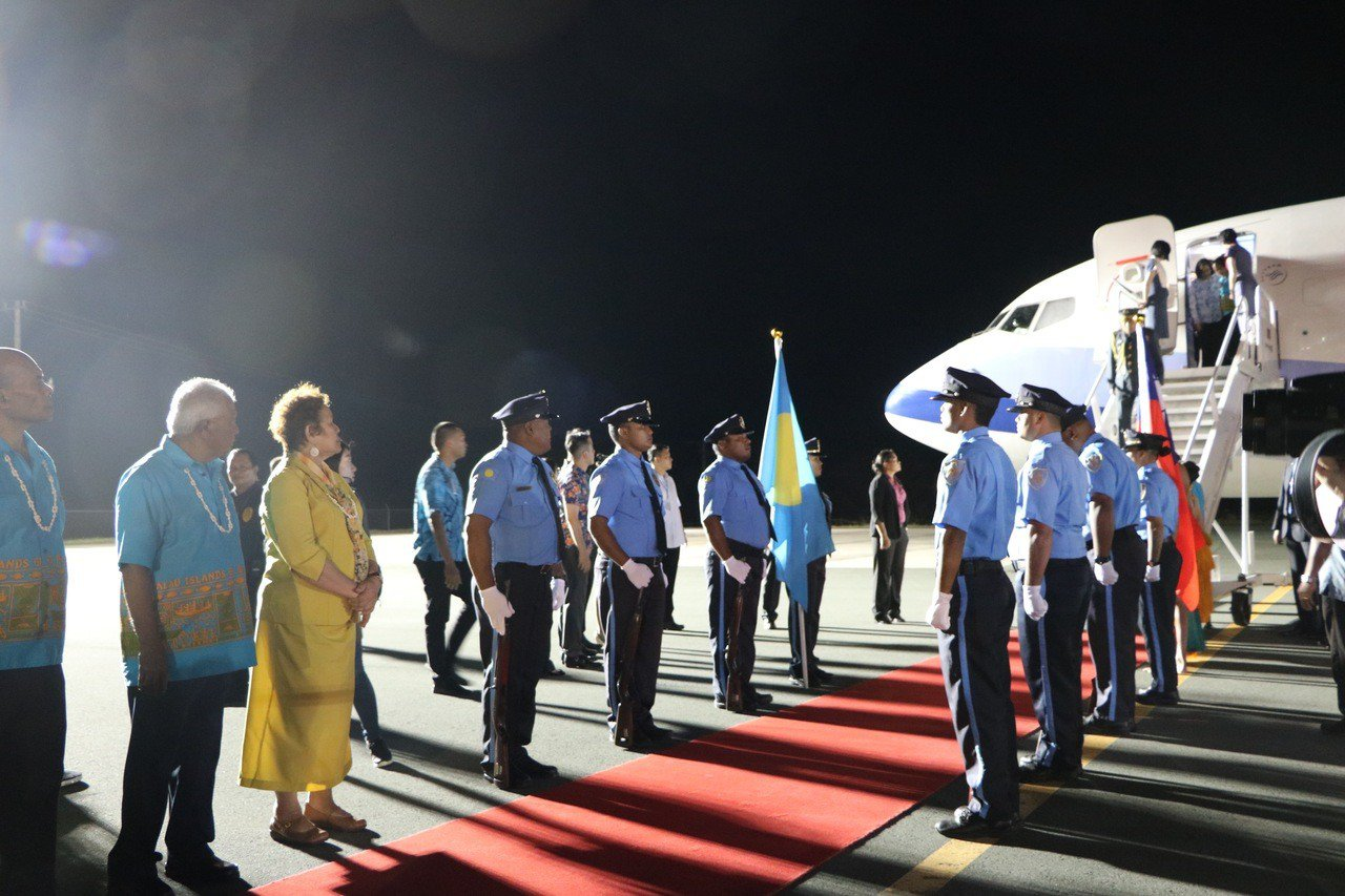 帛琉警察儀隊歡迎蔡英文總統到訪。記者周佑政/攝影