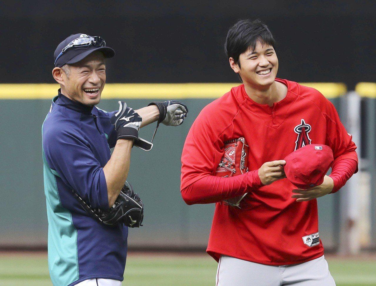 大谷翔平去年與鈴木一朗在場上碰面。 美聯社
