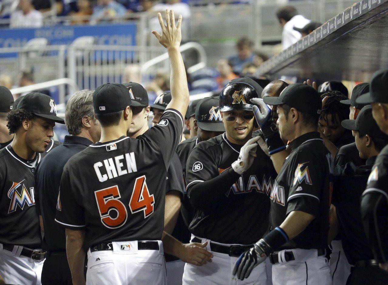 MLB/一朗關心近況 陳偉殷:有幸跟「神」同隊