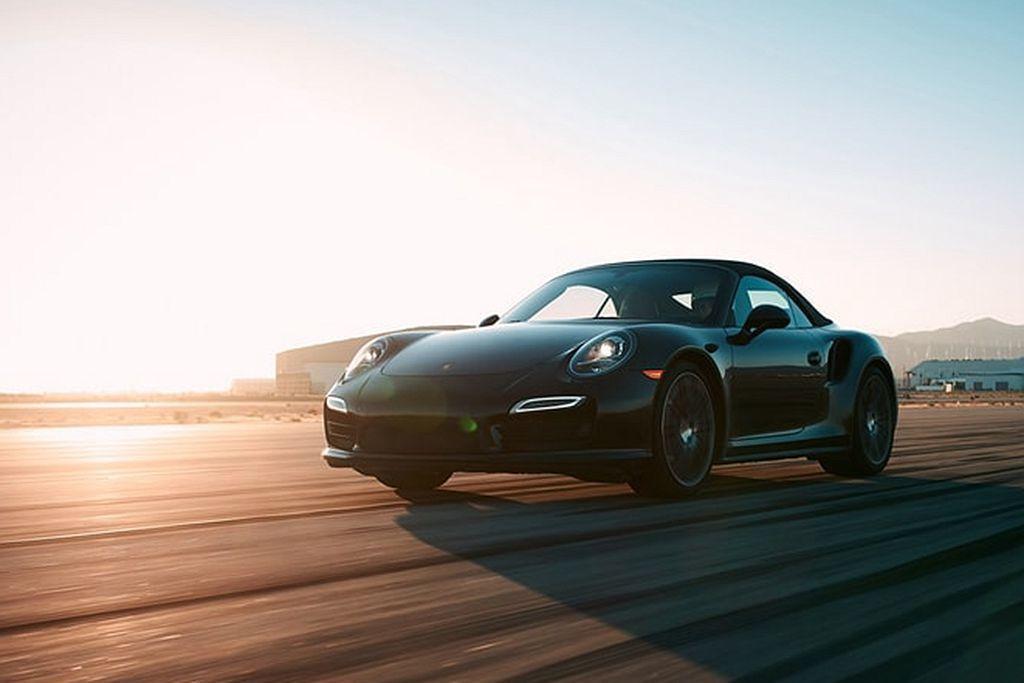 Porsche至史以來以精湛卓越的賽車科技縱橫賽道,打造頂尖的高性能跑車,讓台灣...