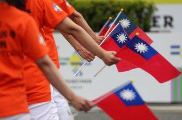 台灣社會的任何人或團體,都不應該成為虛假訊息和紅色宣傳戰的獲利者,當然更不應該成為受害者。 圖/歐新社