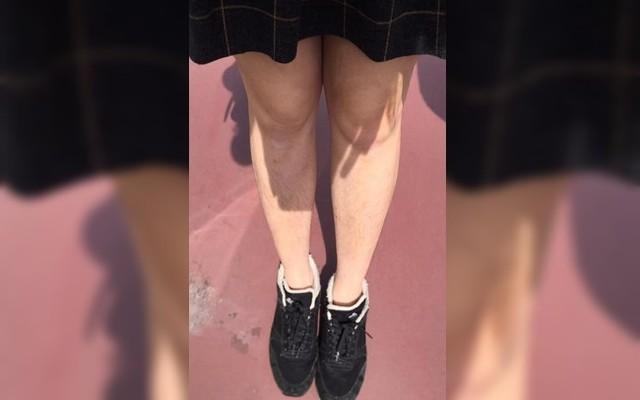 女網友分享,因為沒刮腳毛竟然被日本人指手畫腳。圖擷自/《爆怨公社》