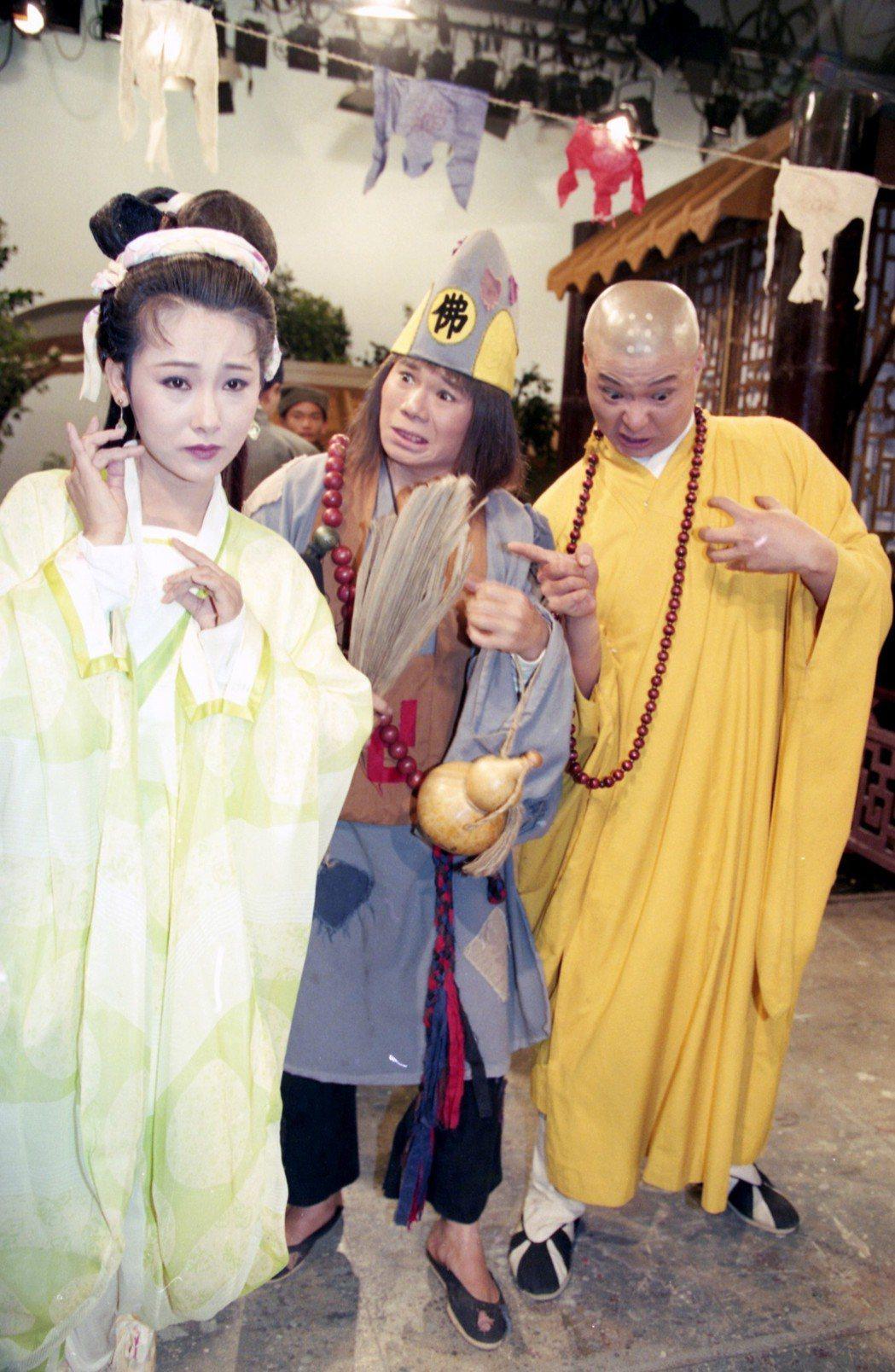 1995年紅片台灣的經典電視劇「濟公」。圖為(左起)慕鈺華、周明增、陳文山。圖/...