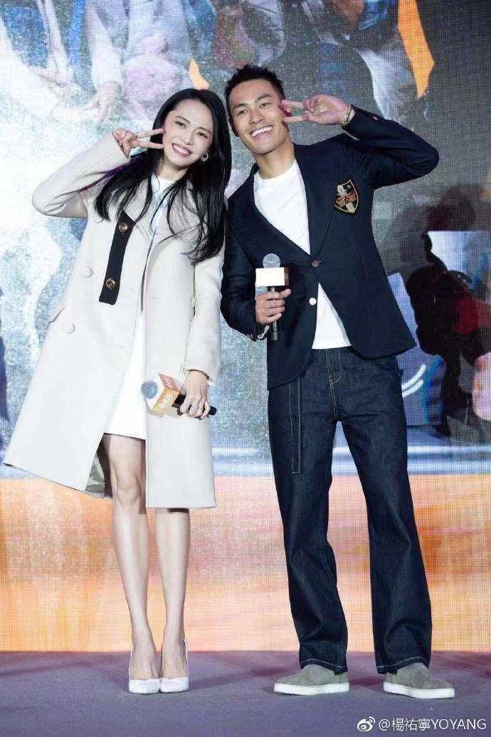 姚晨(左)與楊祐寧在陸劇「都挺好」中被封是大嘴CP。圖/摘自微博