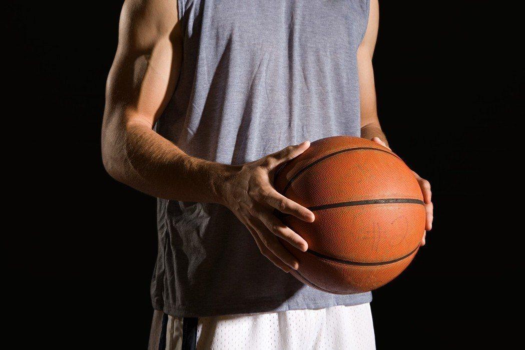打籃球示意圖。圖/ingimage