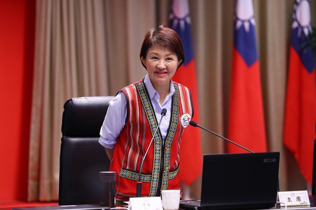 台中市長盧秀燕今提出首次追加減預算,恢復老人健保補助追加7.28億餘元,若順利通...