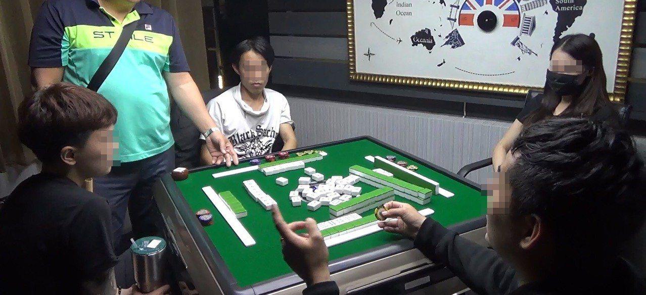 合法掩護非法 主題餐廳暗藏麻將賭博被抄