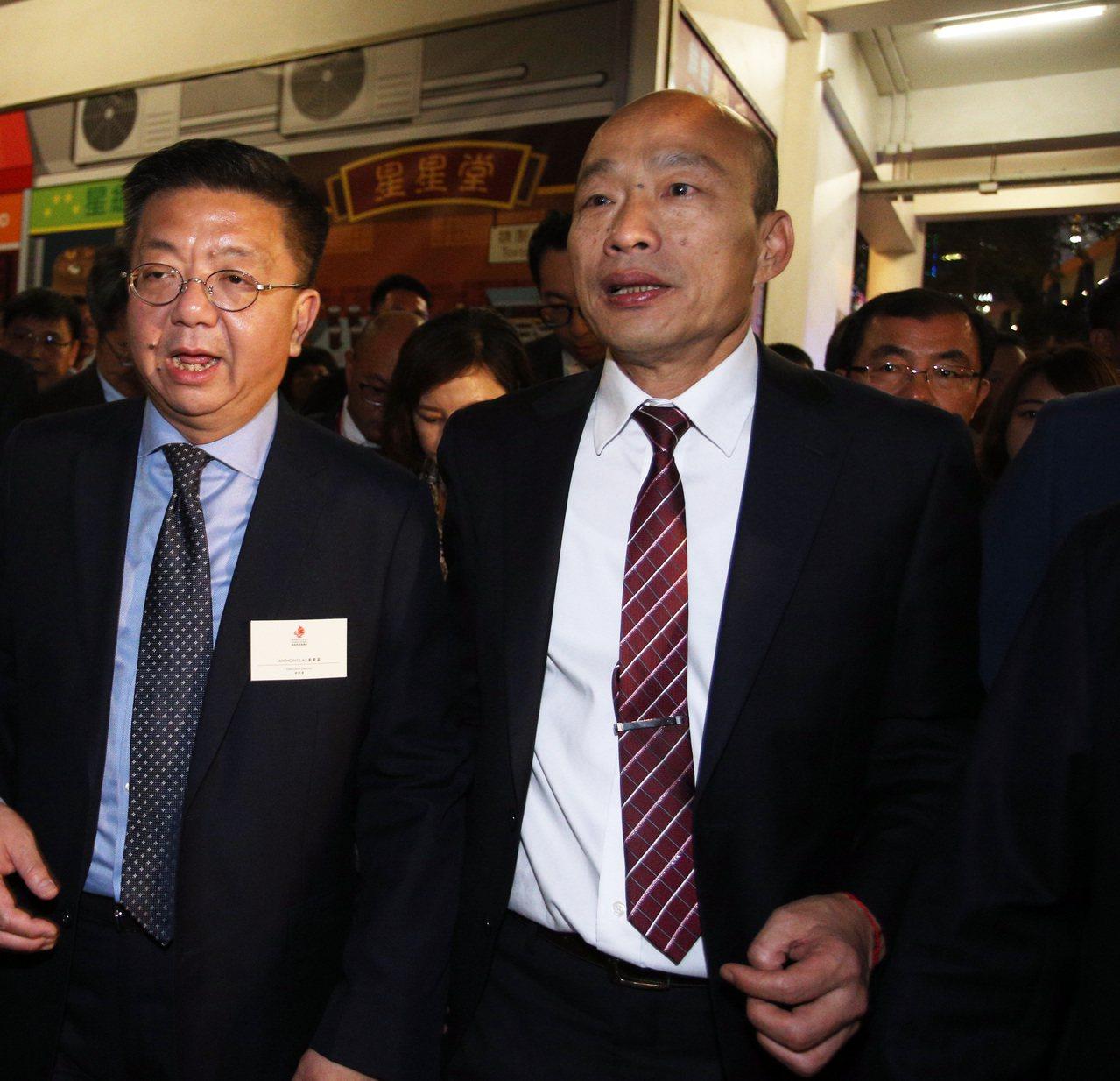 高雄市長韓國瑜晚上參觀香港維多利亞港。記者劉學聖/攝影