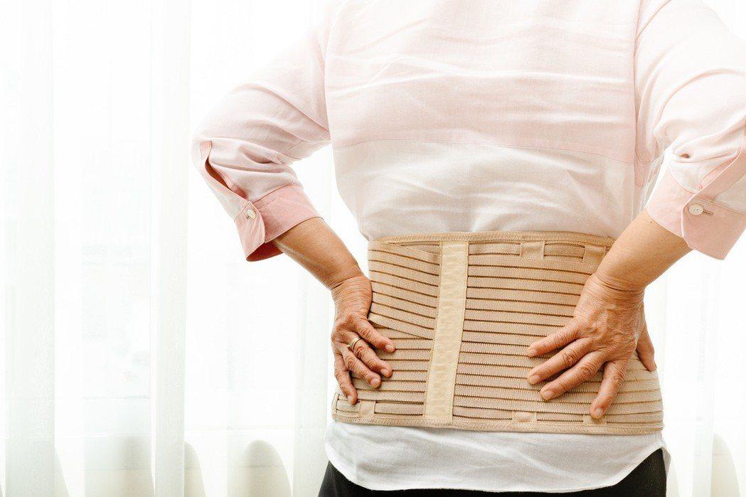 骨質疏鬆是全球第二大流行疾病,僅次於心血管疾病。成人的骨本從35歲開始以每年1%...