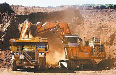 某日午後,一場大雷雨無預警襲擊必和必拓(BHP)位在澳洲西北部沙漠裡的鐵礦砂礦場...
