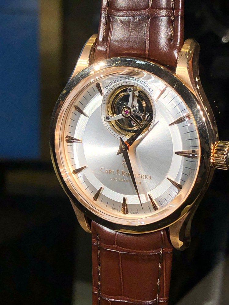 寶齊萊傳承系列雙外緣陀飛輪限量腕表,298萬元,限量88只。記者孫曼/攝影