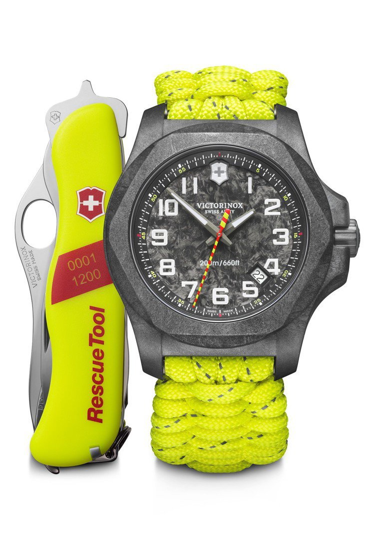 I.N.O.X. Carbon 向消防員致敬限量版43毫米碳纖維腕表,套裝包括特...