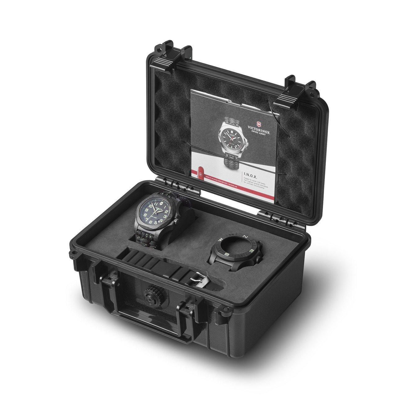I.N.O.X. Carbon 43毫米碳纖維腕表黑色款,套裝包括特設的防震包裝...