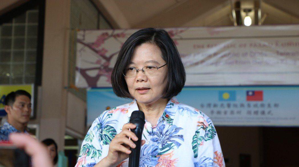蔡英文總統今天下午在帛琉回應韓國瑜拜訪中聯辦爭議。 記者周佑政/攝影
