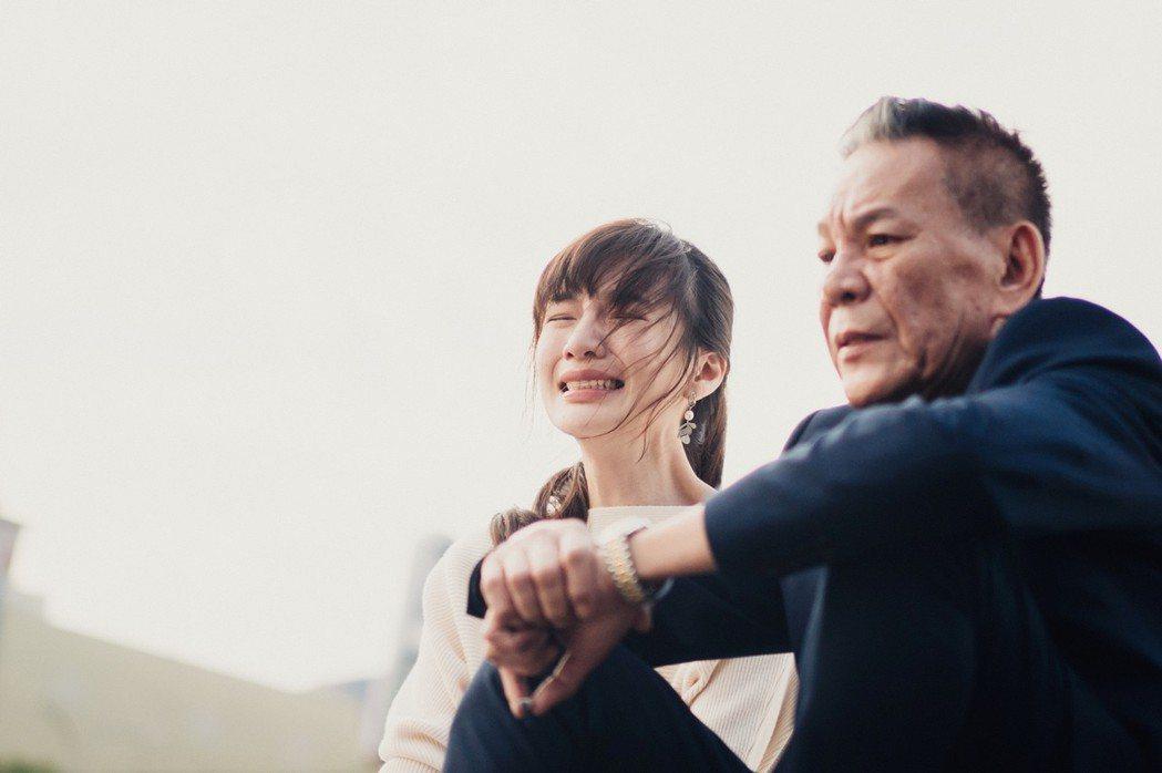龍劭華(右)、陽靚在「忘川」中飾演多年未見失聯父女。圖/華視提供