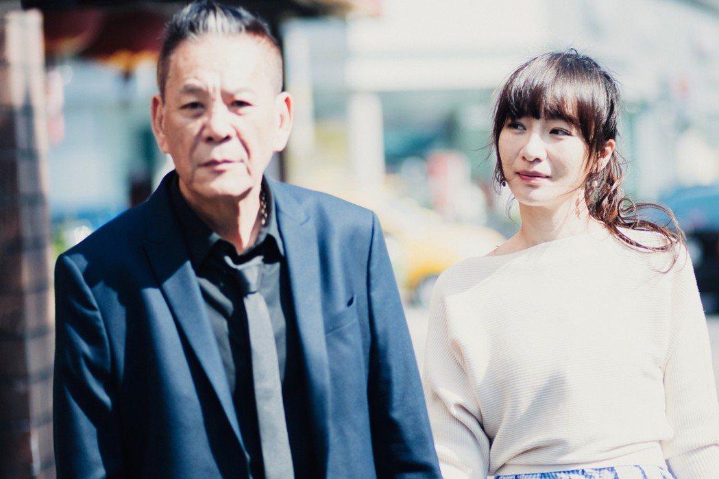 龍劭華(左)、陽靚在「忘川」中飾演多年未見失聯父女。圖/華視提供