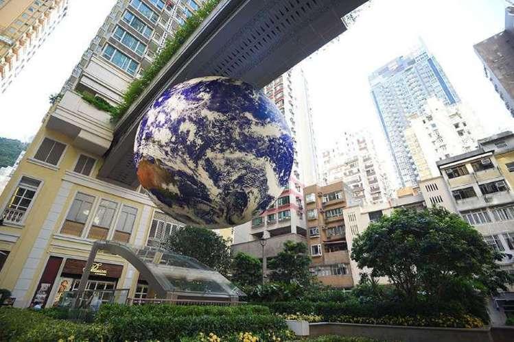 Gaia香港站首次加入自轉效果,自轉一次需4分鐘,遊客可以看到更立體的地球。圖/...
