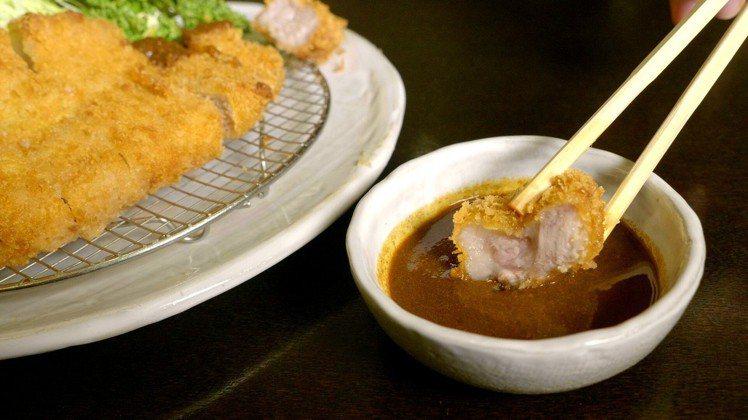 SUZUYA(すゞ家)的豬排搭配味噌醬,更添美味。圖/業者提供