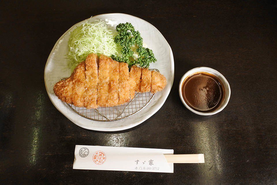 SUZUYA(すゞ家)經典的味噌豬排料理。圖/業者提供
