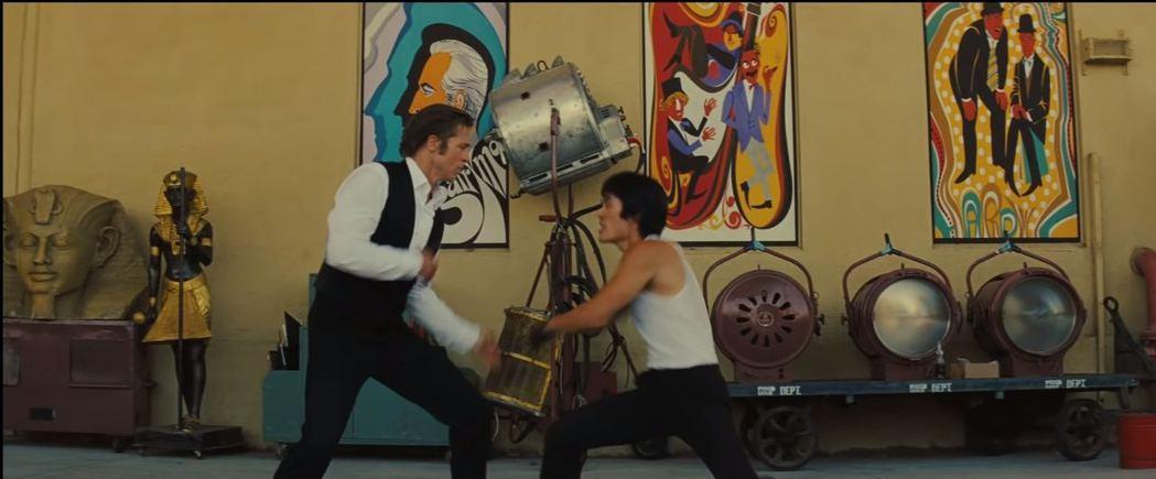 Mike Moh與布萊德彼特在「從前,有個好萊塢...」有對打戲。圖/摘自imd...