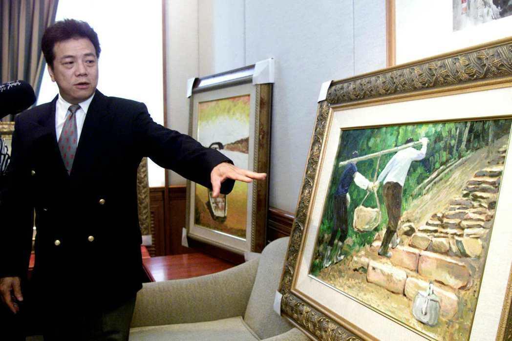 前立委廖學廣介紹他的畫作,他說他畫筆下的汐止是一個淳樸的好地方。圖/聯合報系資料...