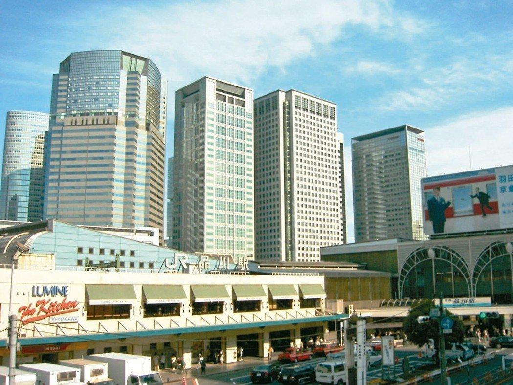 日本JR山手線環內的地方被稱為高輪,外圍的地方被稱為港南,車站還鄰近芝浦、芝浜等...