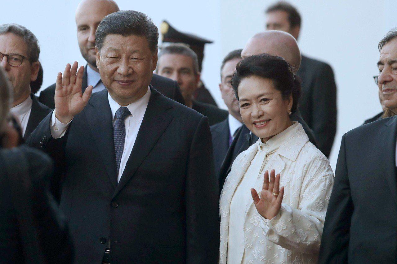 習近平前一站訪問義大利時,獲羅馬簽署多項加入中國「一帶一路」計畫的合作備忘錄(M...