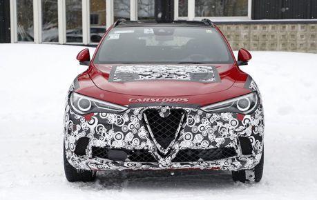 小改款Alfa Romeo Stelvio雪地現身 連內裝都給你看