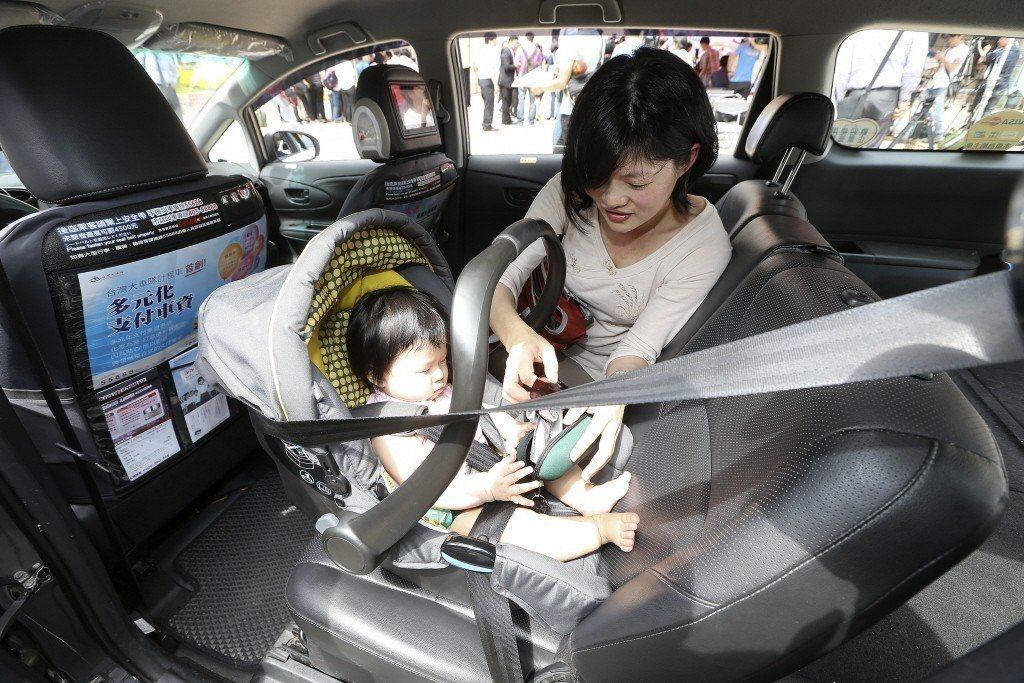 兒童安全座椅加裝情形政府目前無統計數據。本報資料照片