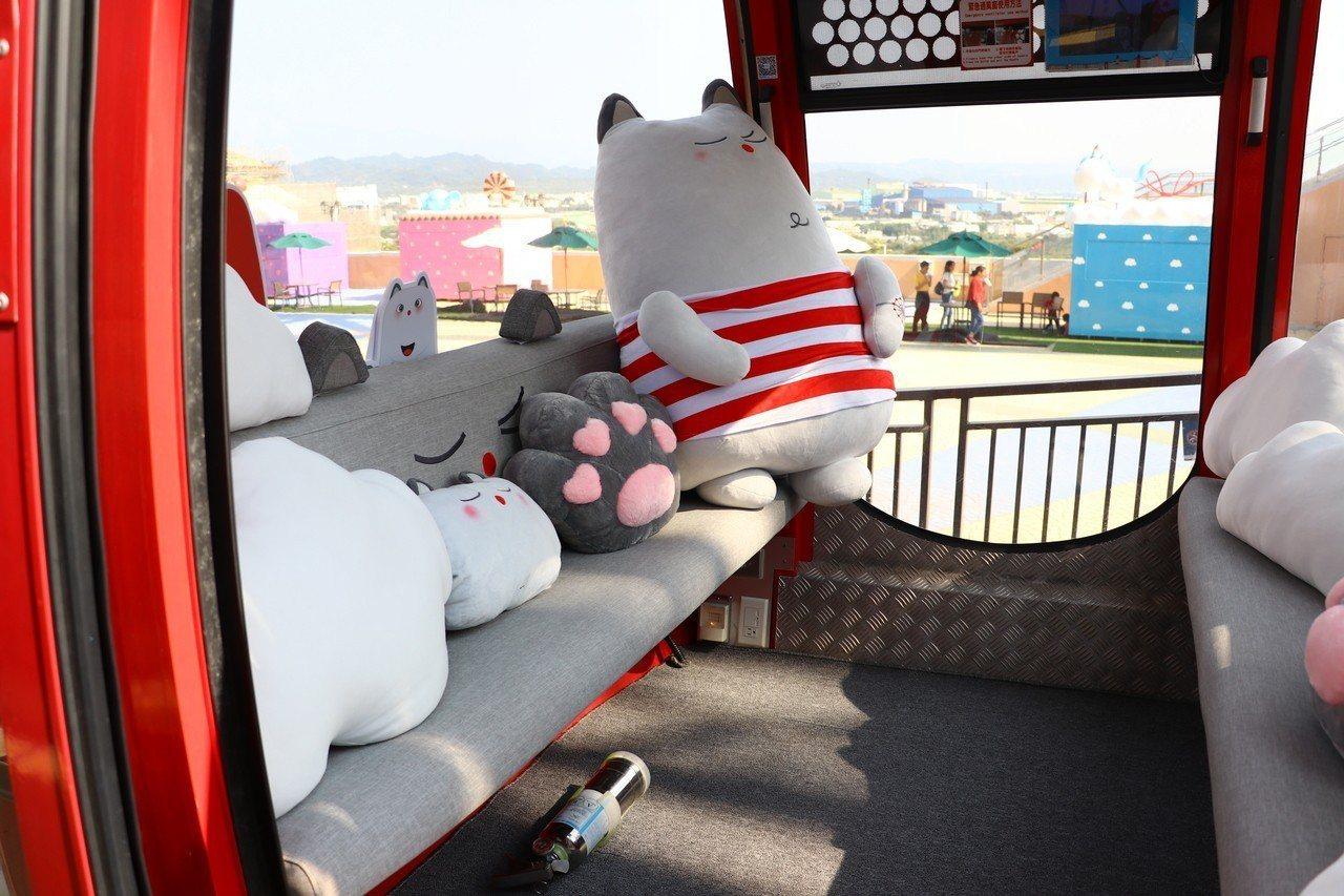 麗寶樂園推出摩天輪優惠價,還送萌玩偶。圖/麗寶樂園提供