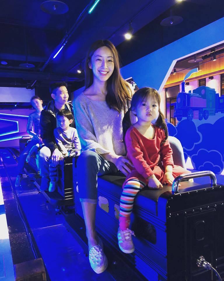 隋棠和老公帶兒女出遊。圖/摘自臉書