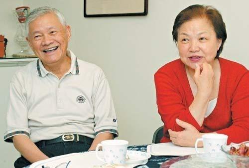 前行政院長唐飛(左)。本報資料照片