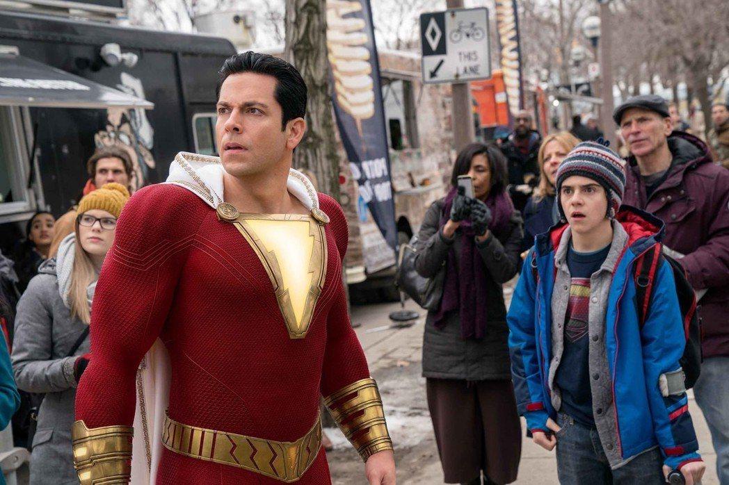 「沙贊!」風格幽默詼諧,是今年最具喜感的超級英雄電影。圖/華納兄弟提供