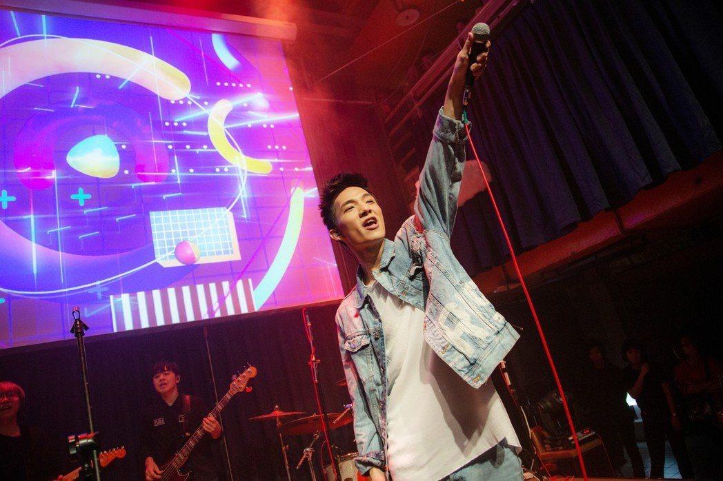 黃奕儒舉辦個人售票演唱會。圖/相映國際提供
