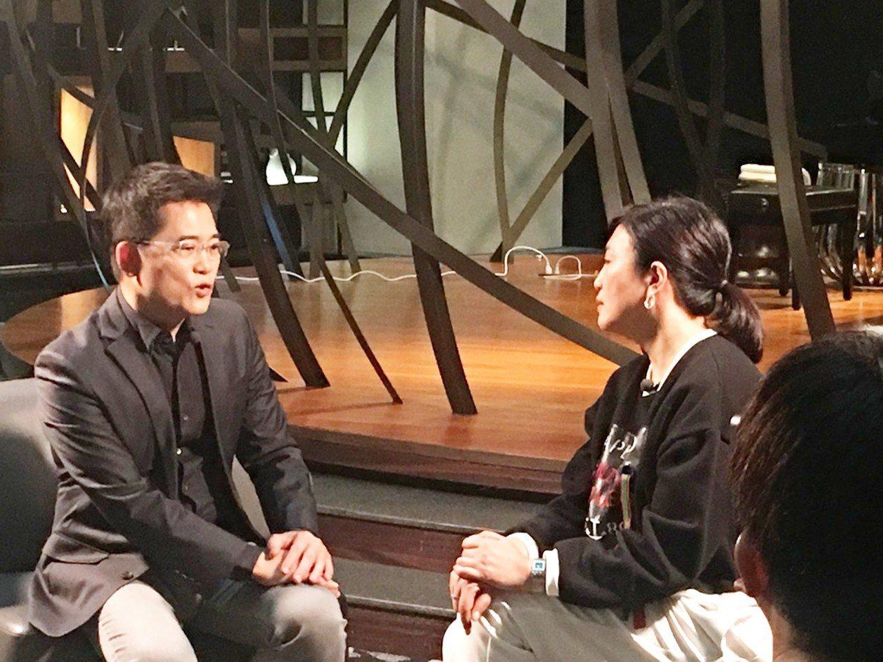 台東縣前縣長黃健庭接受TVBS看板人物節目主持人方念華專訪。圖/黃健庭提供